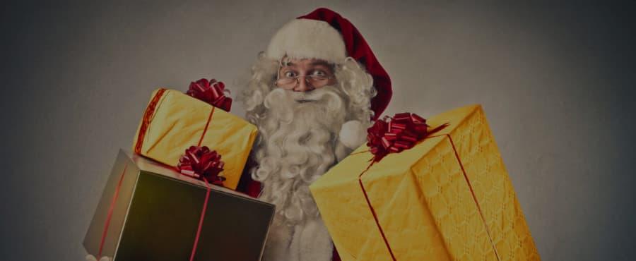 julenisse med gave